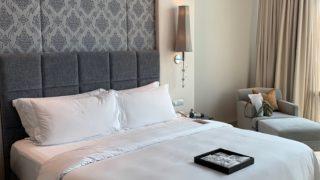 セントレジスバンコクのスイート ベッドルーム
