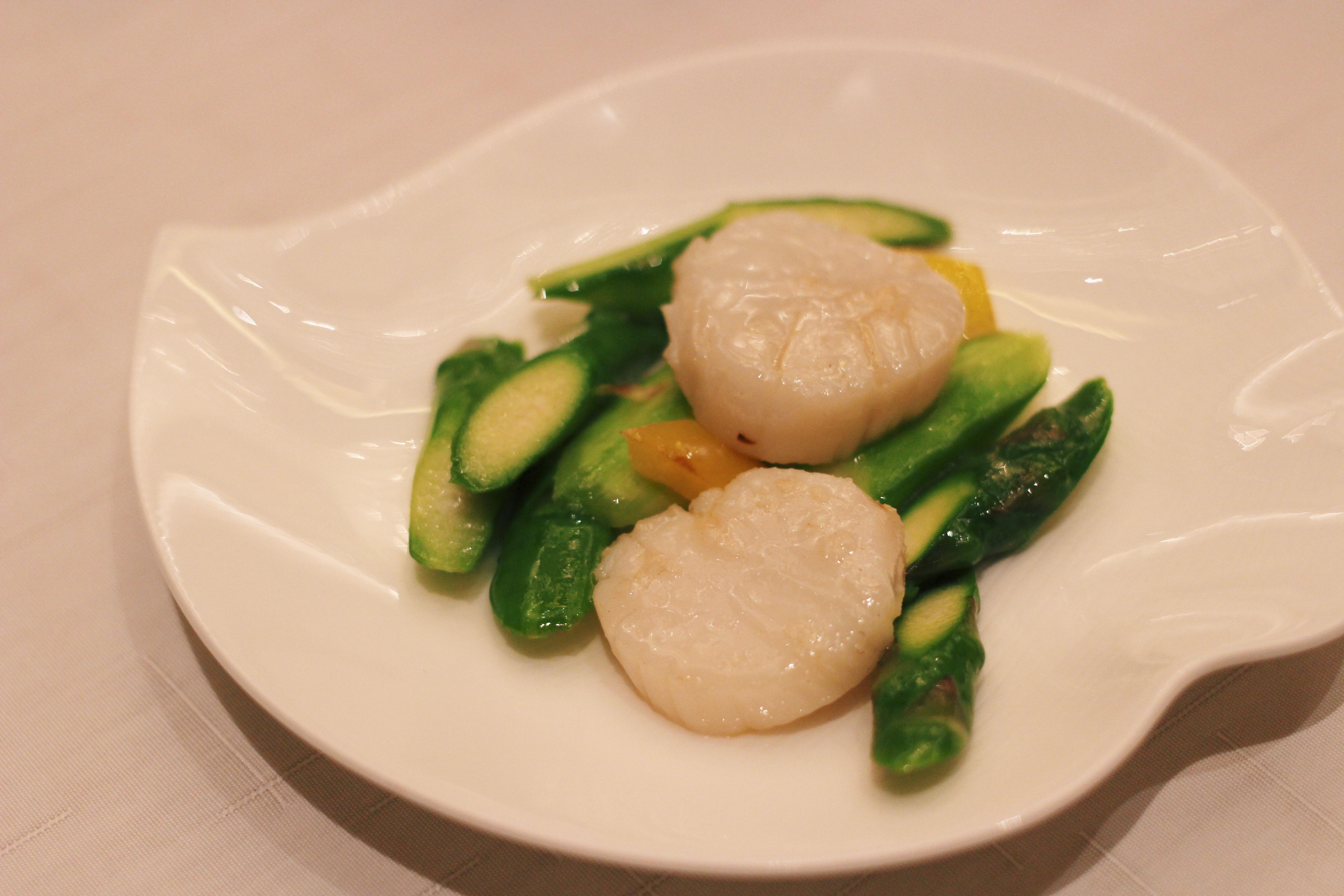 【香港・香宮】帆立と季節の野菜の炒め物