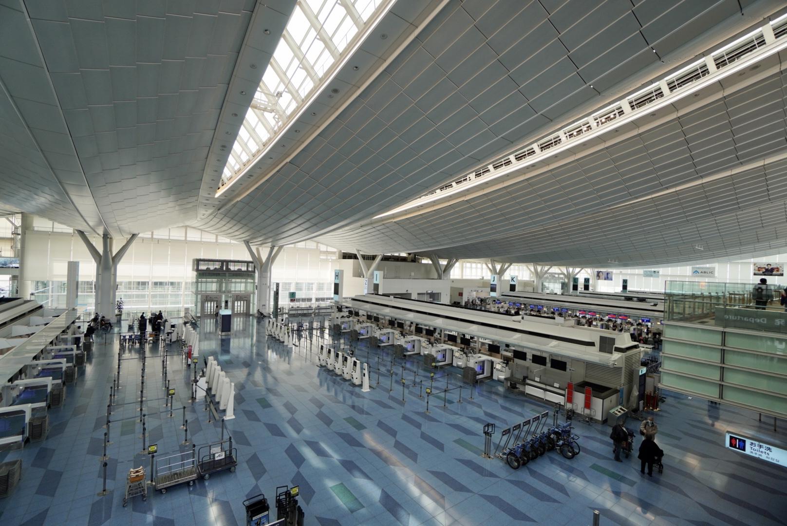 緊急事態宣言下の羽田空港第3ターミナル
